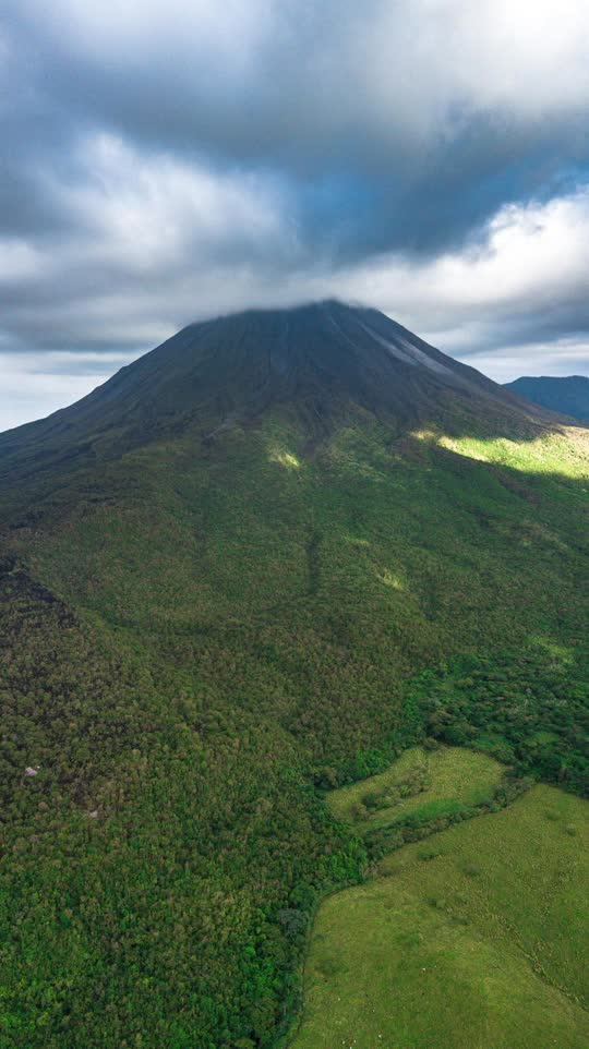 Arenal Volcano - Costa Rica [OC] 2242x3992 - lifeofmikey1 - EarthPorn