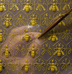 """Constellation of 69 bees, the symbol of the Empire and the emblem of the Guerlain family of """"Eaux"""