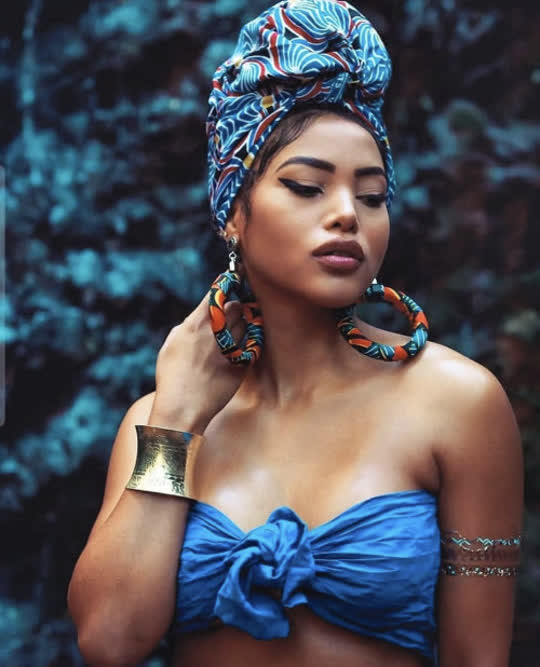 """Turbanista - Blog dedicated to the Art of Turban - """"She does not want the world to tell her how to..."""
